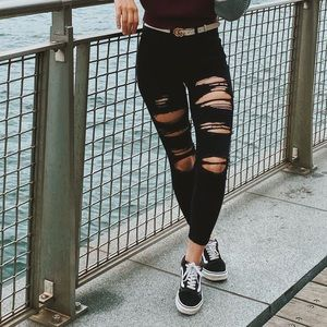 00S American Eagle black ripped jeans
